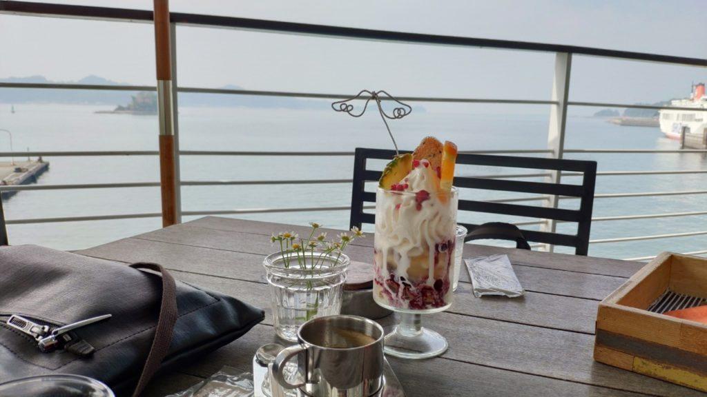 愛媛の松山観光港のカフェ、ツクモハーバーテラス