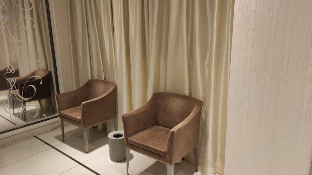 なんぼや立川店の待合室