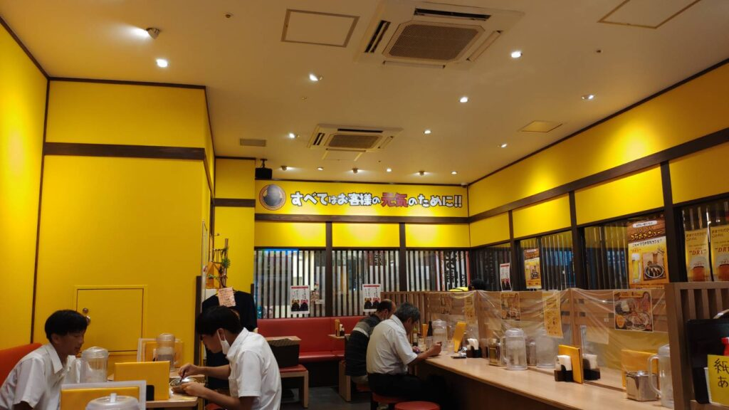 ゴーゴーカレーの店内 金沢駅