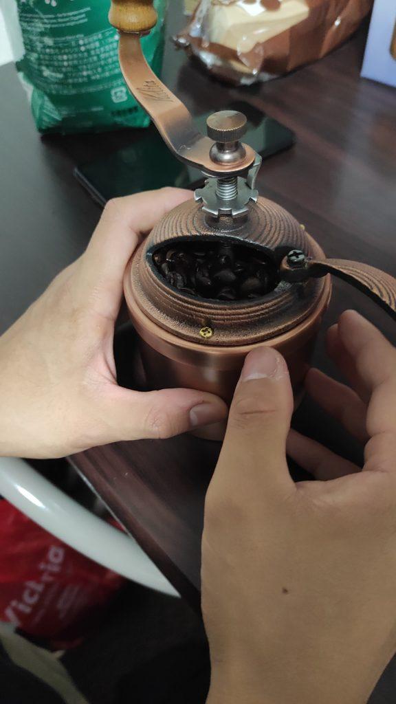 カリタのコーヒーミル(銅製)