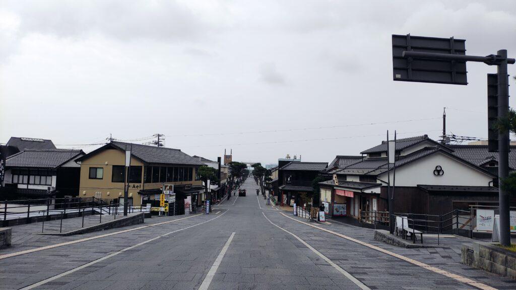 出雲大社の前の道