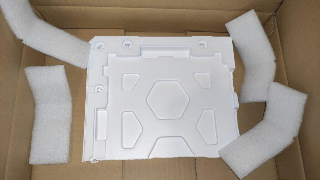 TRY WAY-PCで買ったIIYAMAのノートPC用の交換用ディスプレイN156HGAーEA3は丁寧な梱包がされていました