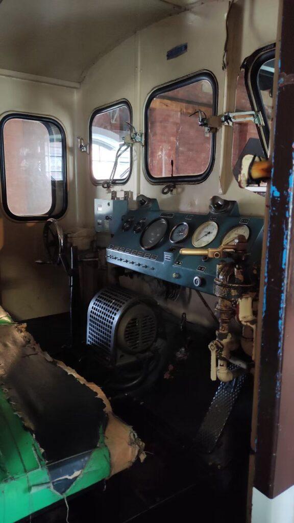 DB10形ディーゼル機関車 国鉄F6形10トン貨車移動機 DB10形ディーゼル機関車